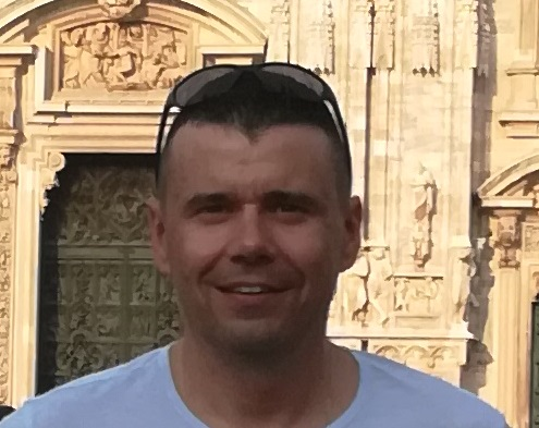 Damian, 46 lat